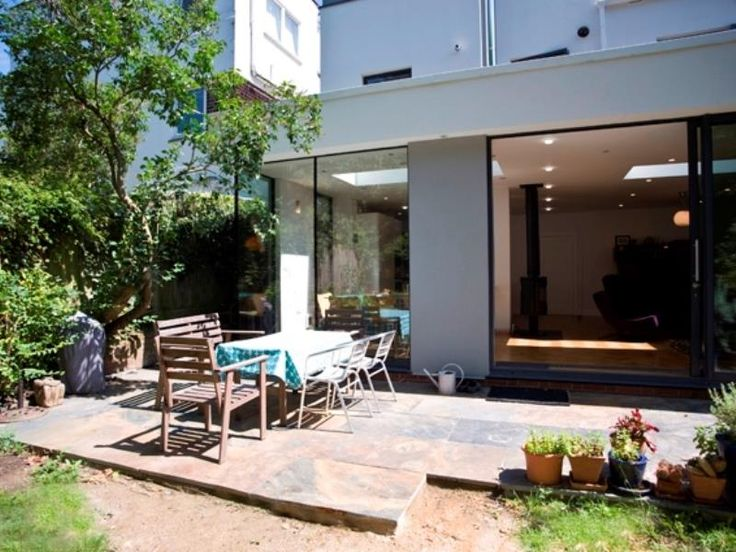 London Veeve  4 Bedroom 60S Chic Broughton Gardens Highgate United Kingdom, Europe The 4-star Veeve 4 Bedroom 60S Chic Broughton Gardens Highga offers comfort and convenience whether you're on business or holiday in London. Featuring a complete list of amenities, guests will find their stay at the property a comfortable one. Service-minded staff will welcome and guide you at the Veeve 4 Bedroom 60S Chic Broughton Gardens Highga. Designed for comfort, selected guestrooms offer ...