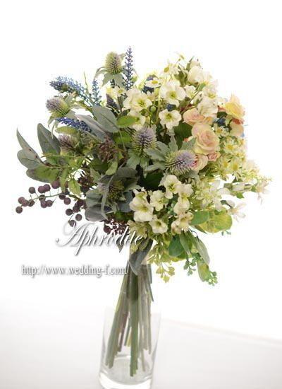 ウエディングブーケ専門ショップ・アフロディーテ(Wedding Bouquet Aphrodite)  ナチュラルなクラッチブーケ★