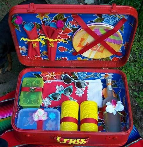 turn old suitcase into picnic case/basket by craftster user kittykill.