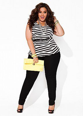 Plus size fashion- Belted waist, sleeveless tunic, fitted jeans/leggins, long necklace and heels