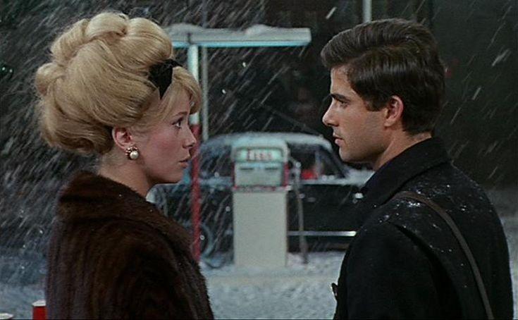 One of my favorite movies! Les Parapluies de Cherbourg