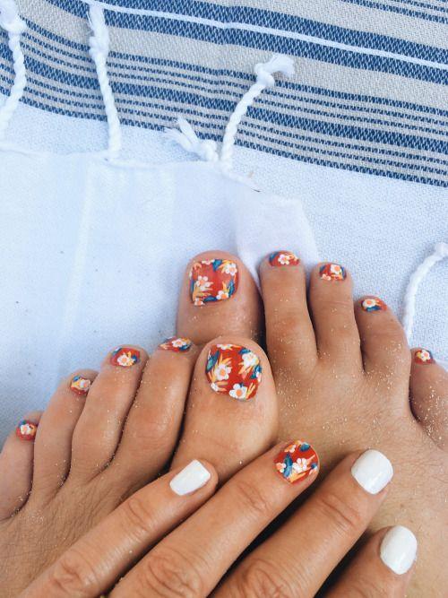 Aloha Print Toes