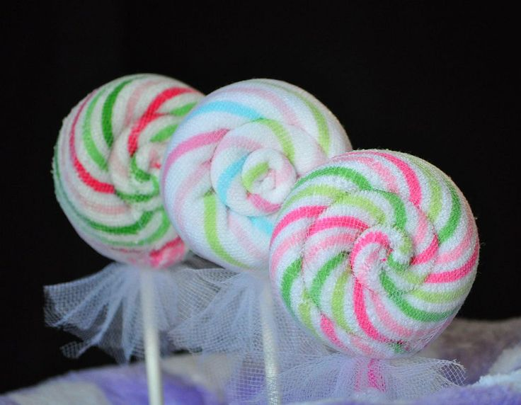 Washcloth Round Lollipop Video Instructions for a Diaper Cake Topper.