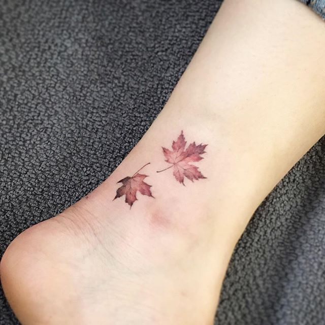#tattoo#tattoos#tattooing#tattooartist#tattooart#tattoowork#maple#mapleleaf#leaftattoo#flowertattoo#armtattoo#colortattoi#타투#꽃타투#타투이스트꽃#tattooistflower . maple leaf