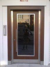 Apartman Giriş Kapısı