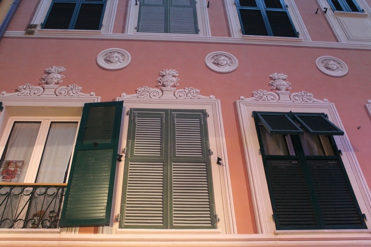 Shutters in the middle at the first and second floor are... just an optical illusion! Loano, Liguria.