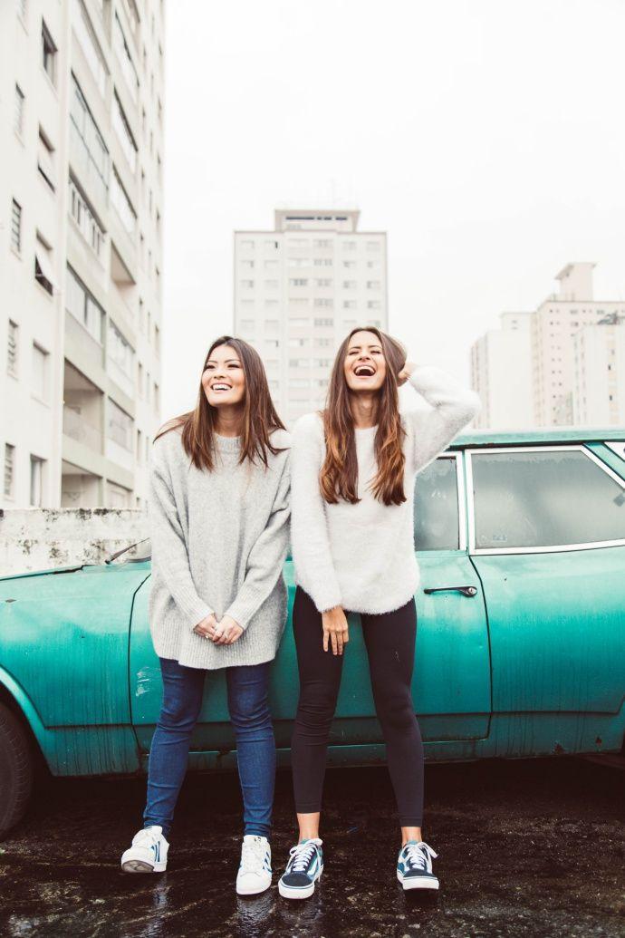 Aprenda a fazer poses para fotos de menina modeli nesse tutorial super fácil que gravamos para o canal da Joyce Kitamura.