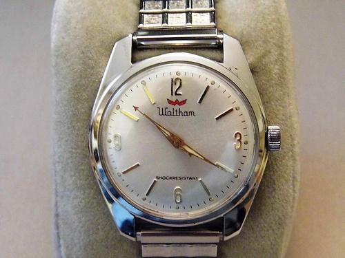 Vintage Waltham Men's Manual Wind Wrist Watch.