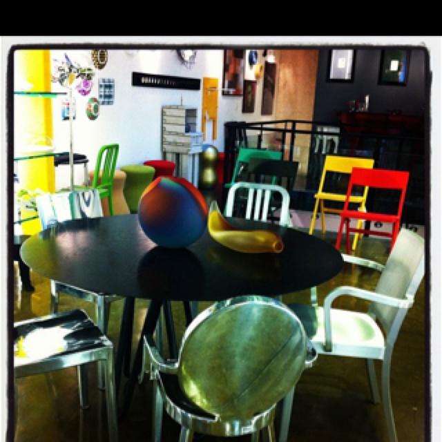 Cadeiras da marca americana Emeco.