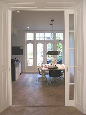 Nice en suite (and a nice floor)!