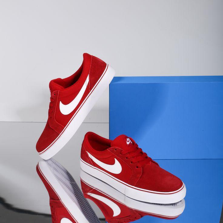 Microprocesador bandera compañera de clases  Nike Satire Ii, zapatillas Rojo Serraje | 63025 | Zapatillas hombre moda,  Tenis nike hombre, Zapatos masculinos