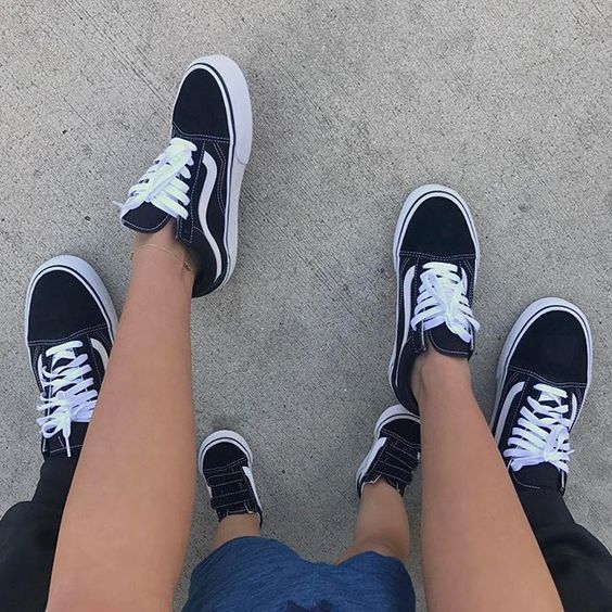 Kill me         ✅ Vans old skool✅    Relationshil-Goals