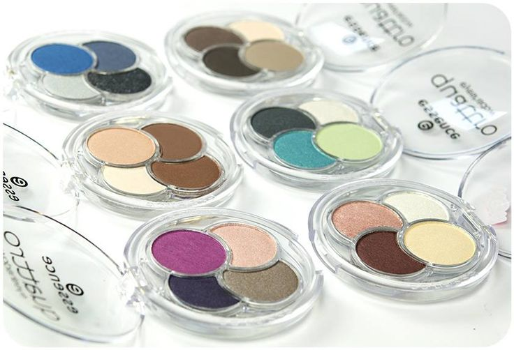 hi beauties, the six different quattro #eyeshadows conjure-up awesome eye #makeup looks with effects ranging from a silky shimmer to matt. which #eyeshadow shades do you like to combine?