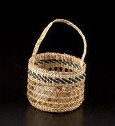 Clam Basket (Strawberry design)
