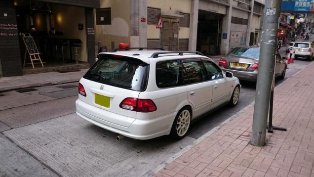 Okay, so it's not actually an EK9 wagon, although that would be really, really cool. This is in fact a marriage of two different Honda vehicles which share parts: a Civic and an Orthia. And despite this being JDM as hell, this actually isn't Japan. It's Hong Kong. Still totally badass. EK WAGON, GUYS. GET EXCITED.