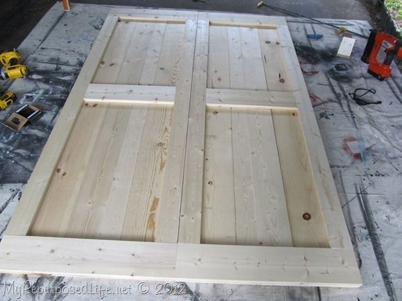 Tutorial on how to build DIY Faux Barn Doors