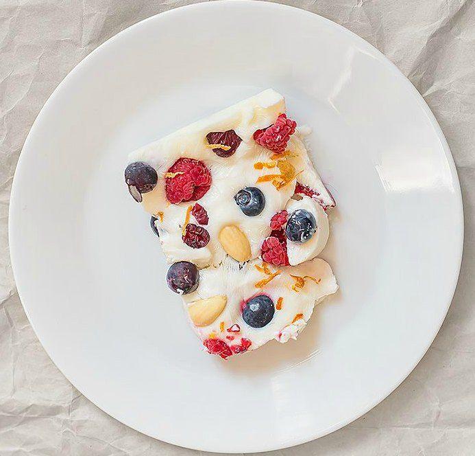 Frozen Yoghurt Berry Slice