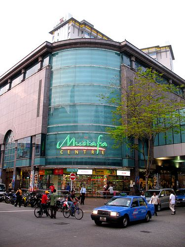 Mustafa Centre, open 24/7