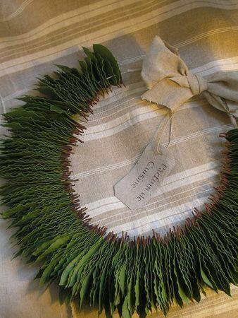 Une façon originale et décorative pour conserver les feuilles de laurier; Explications sur le site.