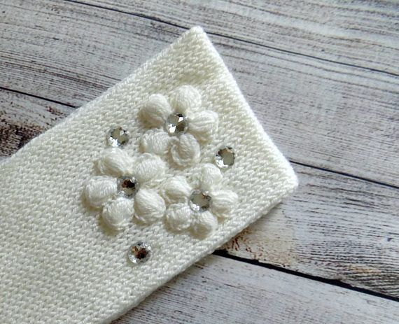 Knit white headband Womens knit earwarmer decorated with