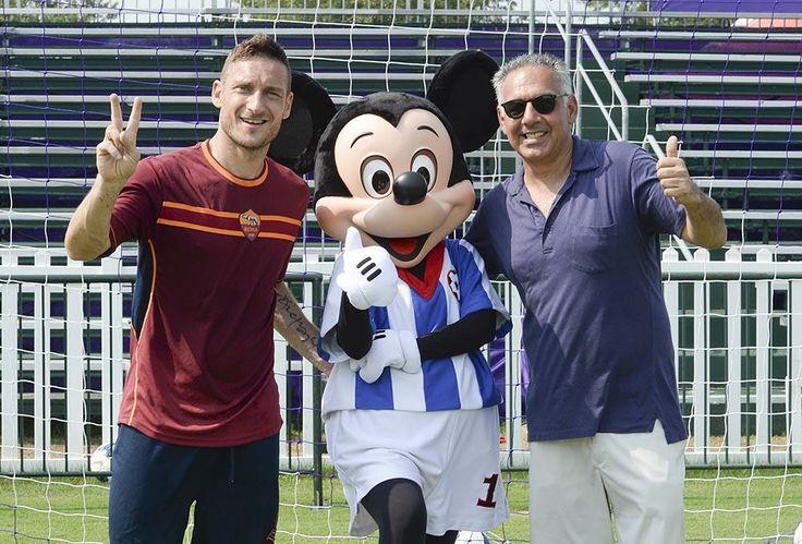 All-star trio: captain Totti, Mickey Mouse and president Pallotta #Orlando2014