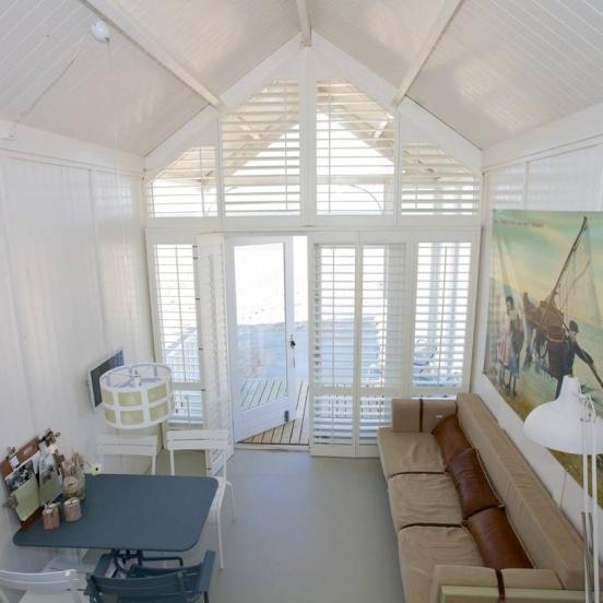 KUST strandhuisjes living room