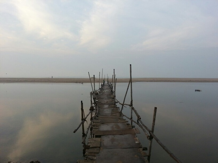 The Sea reflects the sky in East India