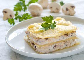 Аппетитная лазанья с курицей и грибами   Ссылка на рецепт - https://recase.org/appetitnaya-lazanya-s-kuritsej-i-gribami/  #Паста #блюдо #кухня #пища #рецепты #кулинария #еда #блюда #food #cook