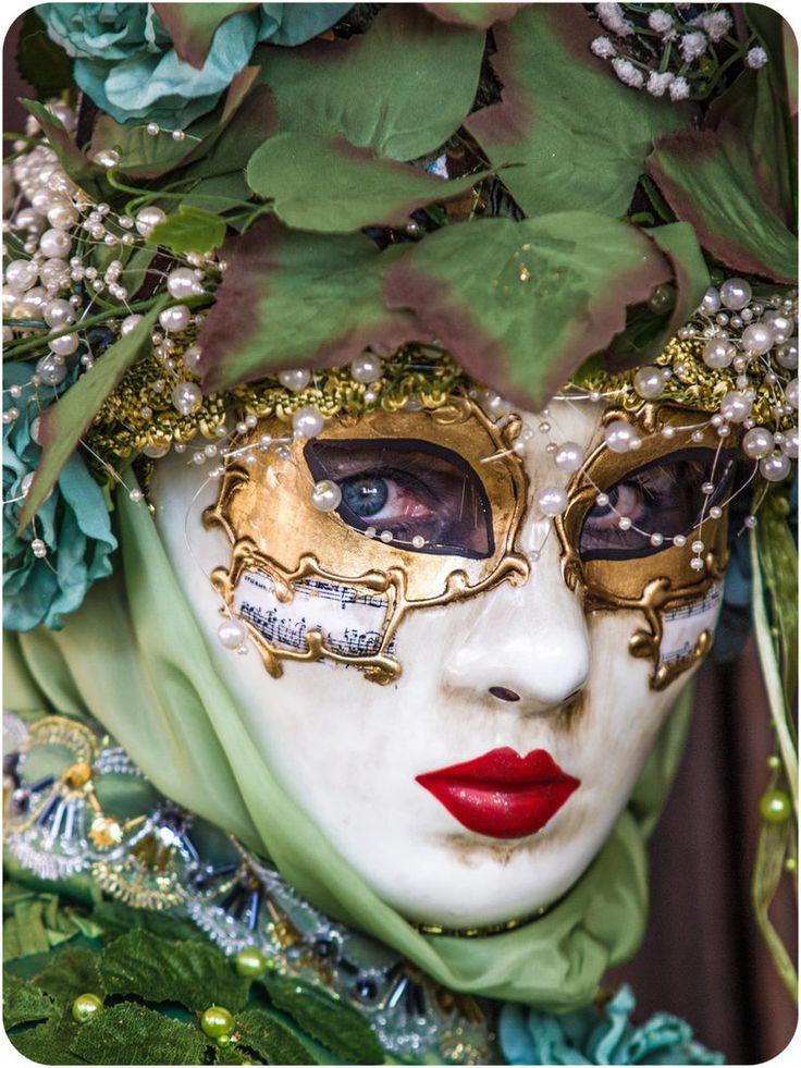Carnival 2012 - 5 by Runfox