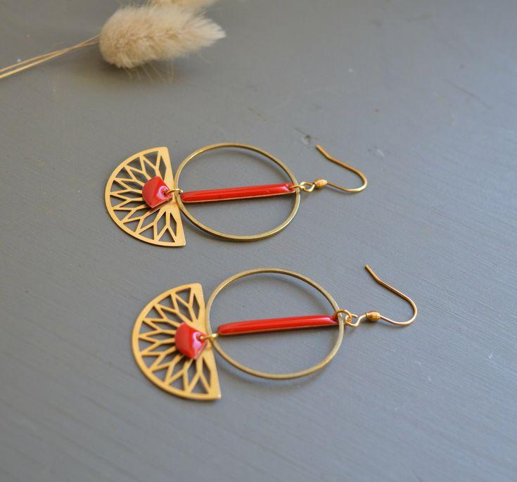 Voici ce que je viens d'ajouter dans ma boutique #etsy: Boucles d'oreilles aci…
