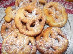 nacatuli calabresi.dolci tipici regionali, deliziosi nel gusto,hanno pochi ingredienti, sono ideali nel periodo natalizio,sono tra una brioche e frittella