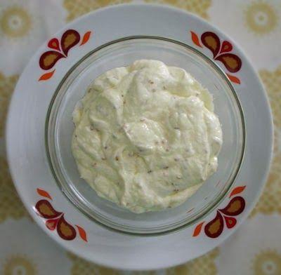 Cream-cheese de kefir com gergelim e azeite