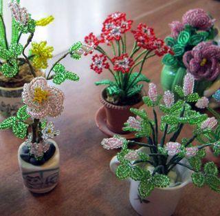 © 2011 Lindsay Obermeyer beaded flowers by Thelma Schweizer