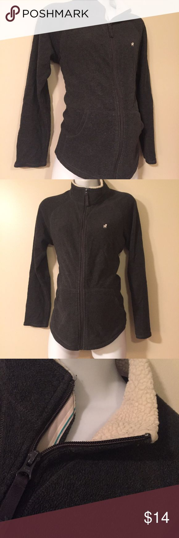 Maternity zip up sweater jacket medium Awesome condition Maternity zip up sweater jacket size medium by old navy. Old Navy Jackets & Coats