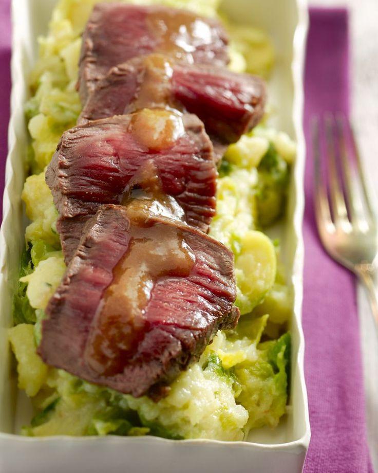 Een feestelijk gerecht, waarvoor je maar weinig ingrediënten nodig hebt! Ontdek deze eenvoudige en toch lekkere stoemp van spruitjes met hertenbiefstuk.