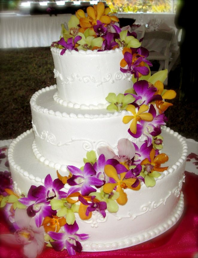 wedding cakes hawaiian theme hawaii weddings blog archive wedding cake picture wedding. Black Bedroom Furniture Sets. Home Design Ideas