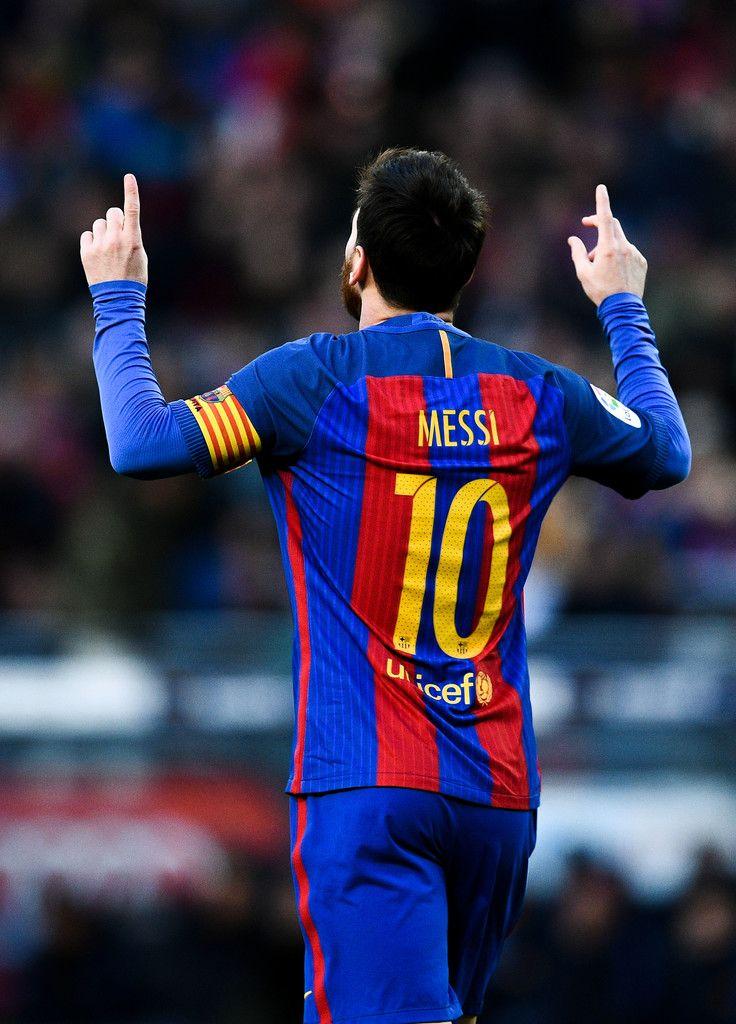 @fcbarcelona Leo #Messi le ha marcado a todos los equipos que han jugado en #LaLiga desde que es profesional, un #Record de 35 clubes han sufrido sus goles #9ine