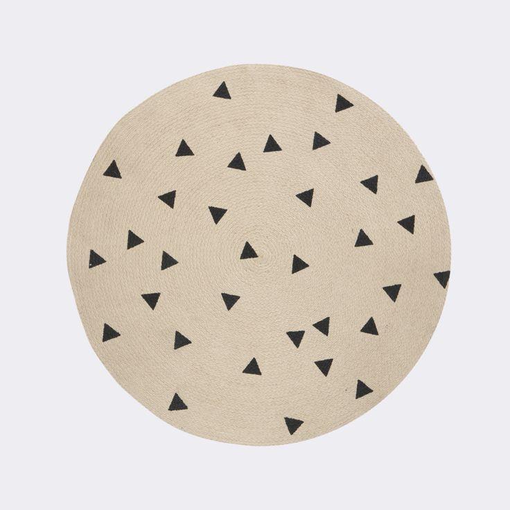 €42 speelkamer Ferm living round carpet triangles tapijt
