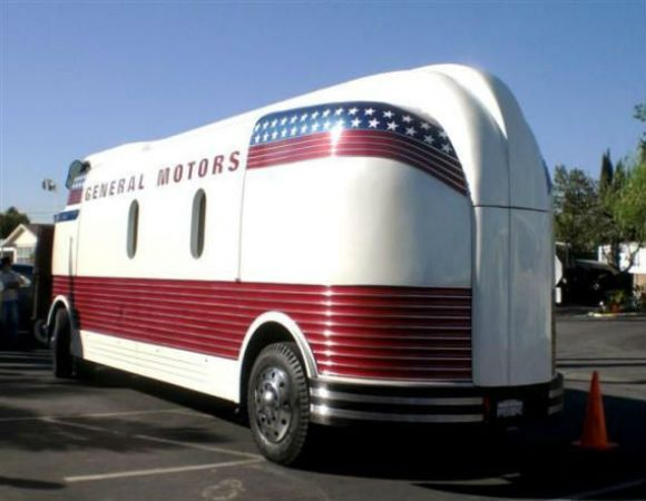1000+ images about vehicle - 1941 GM Futurliner on ...