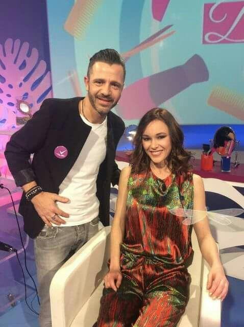 Programma televisivo Detto Fatto: Mauro Franchi a Rai 2.                    Nika Urban indossa nella famosa trasmissione LIBELLULA by Mauro Franchi.