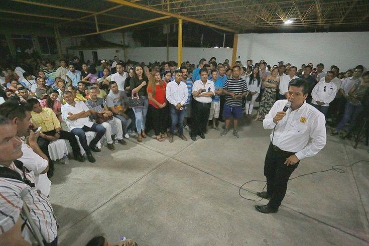 En gira realizada en el puerto de Lázaro Cárdenas y Múgica, el secretario general del sol azteca en Michoacán y diputado local afirmó que el sol azteca es el partido ...