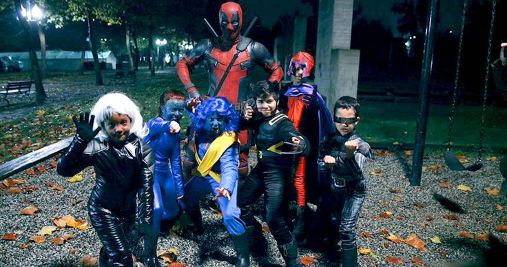 Ryan Reynolds Goes Trick-or-Treating as 'Deadpool' -- Ryan Reynolds shares a photo of himself in his 'Deadpool' costume on Halloween, while trick-or-treating with young 'X-Men' fans. -- http://movieweb.com/deadpool-movie-ryan-reynolds-halloween-costume-x-men/