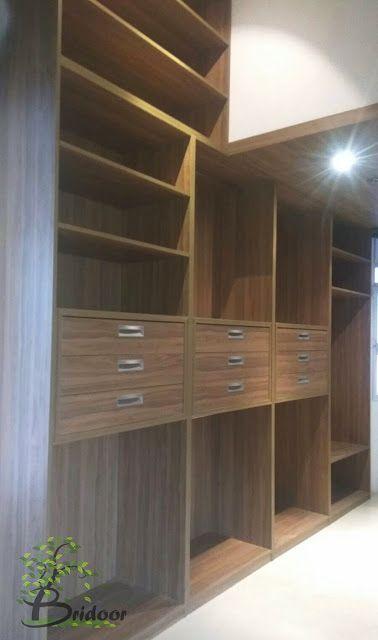 Vestidor de madera para vivienda en Urbanización Santo Domingo