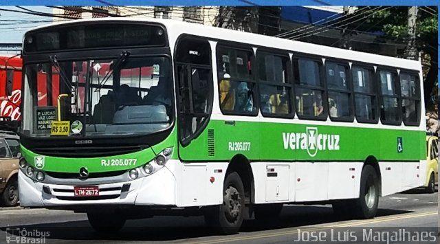 Ônibus da empresa Viação Vera Cruz, carro RJ 205.077, carroceria CAIO Apache Vip II, chassi Mercedes-Benz OF-1722M. Foto na cidade de Rio de Janeiro-RJ por Jose Luís Magalhaes, publicada em 26/08/2016 23:46:01.