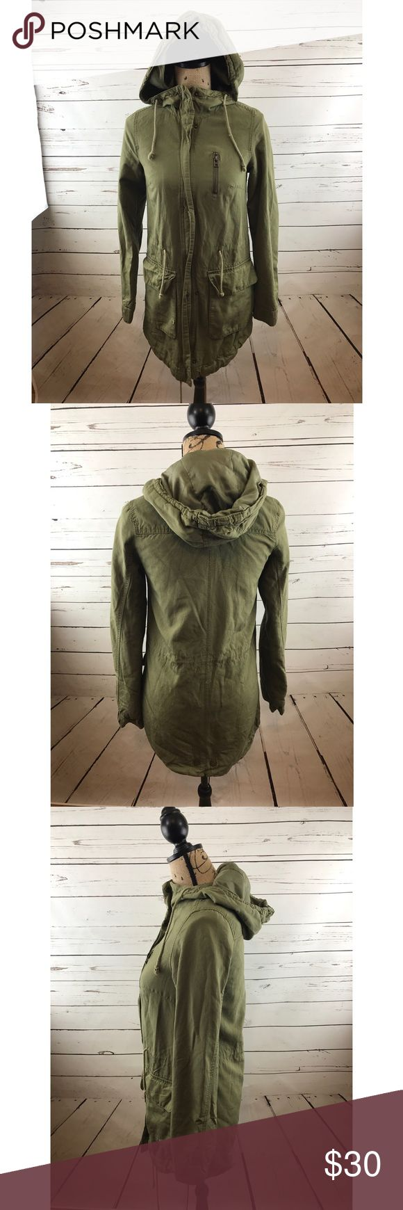 """H&M Divided Olive Green Anorak Jacket In gently worn condition size 2. armpit to armpit length is 18"""" shoulder to bottom of jacket is 30"""" and shoulder to sleeve is 24"""" sorry no trades! H&M Jackets & Coats"""