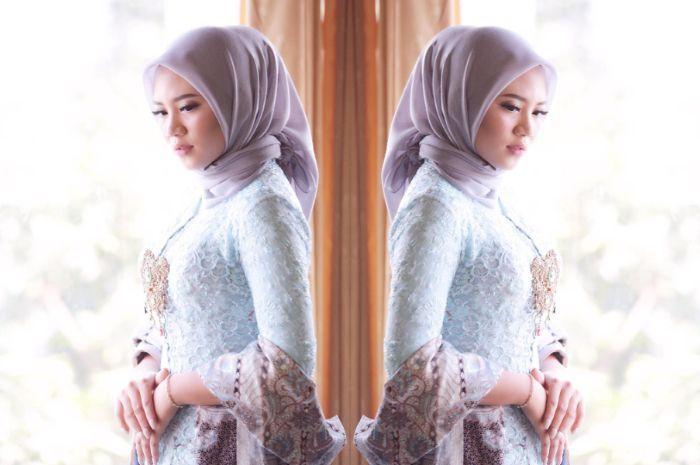 Tutorial Memakai Hijab Crinkle Kebaya