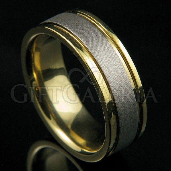 Aliança de Casamento ou Compromisso em Tungstênio Laço com tom polido cor ouro e faixa interna fosca cor prata e espessura de 8mm para casamento, bodas, compromisso ou uso individual.