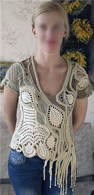 Encantadora blusa de crochet tejido con la técnica de libre forma.