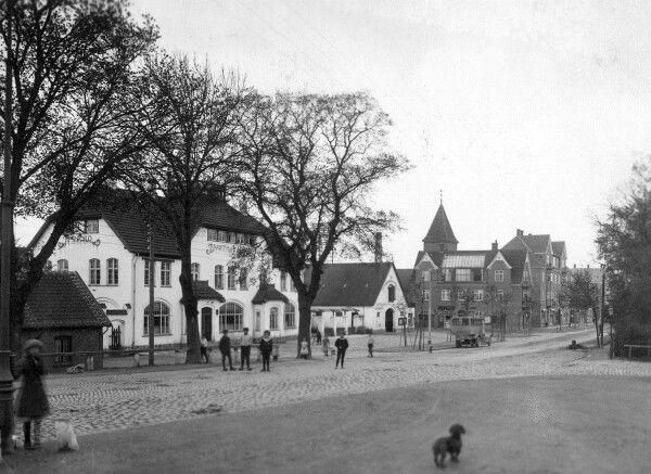 Taastrup Hovedgade 1913, Taastrup Nykro til venstre.