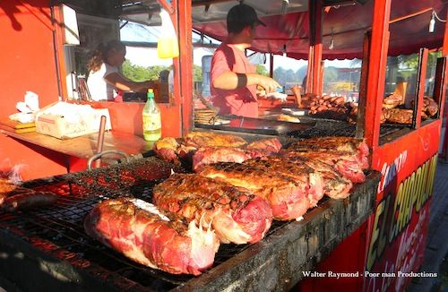 Buenos Aires street food: 'Choripán'. Keep it simple with ...
